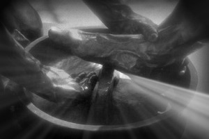 washing-feet-statue-2
